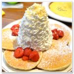 [東京必吃] Eggs'n Things (銀座店)~ 超人氣鬆餅,奶油多得像座小山!!